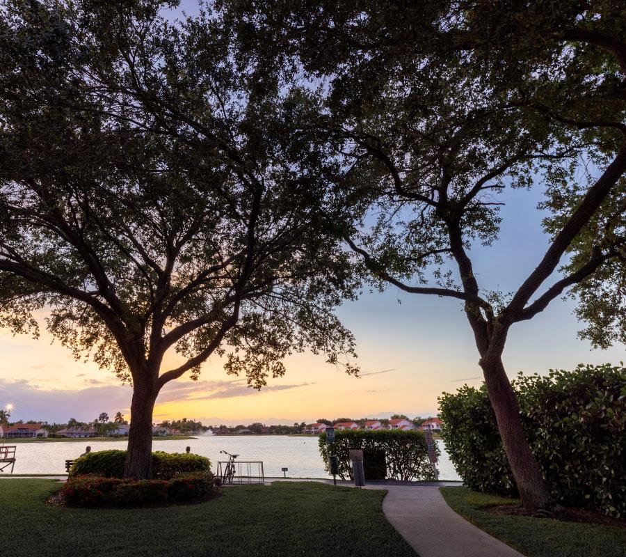 Lakefront walking path | Berkshire Lakes Master Association
